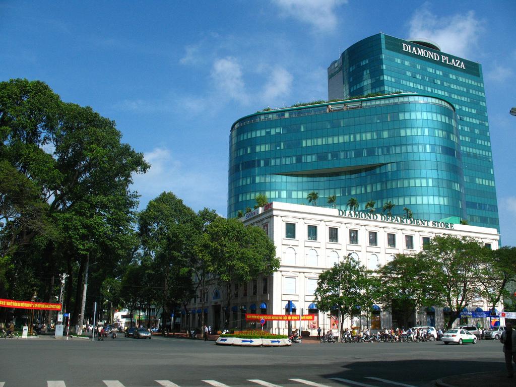 Картинки по запросу diamond plaza vietnam